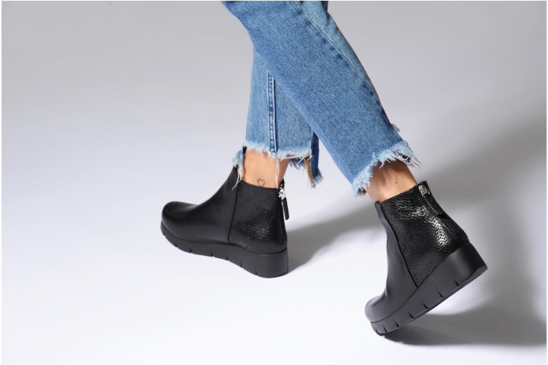 Bottines et boots Unisa Fani Noir vue bas / vue portée sac