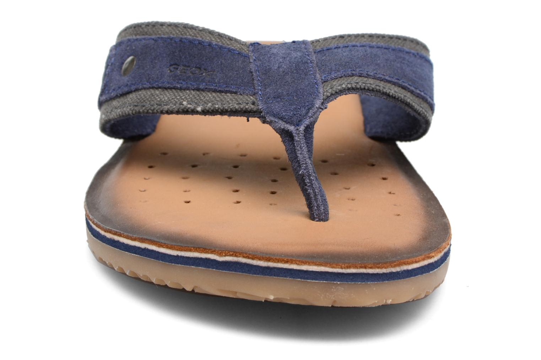 Tongs Geox U ARTIE A II Bleu vue portées chaussures