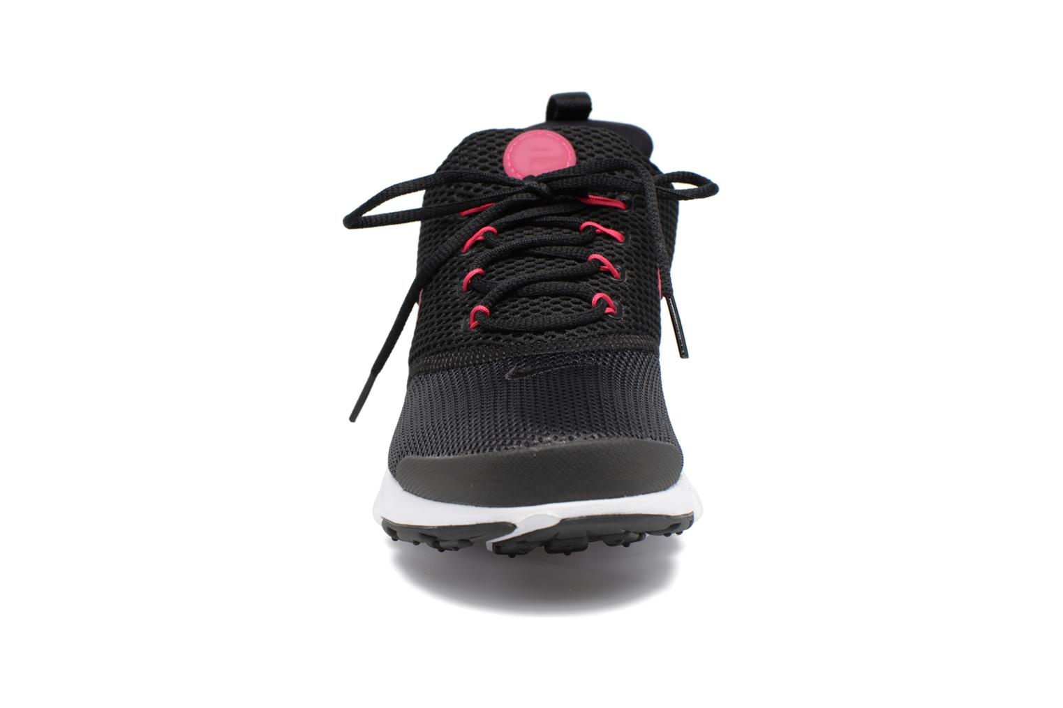 Baskets Nike Presto Fly (Gs) Rose vue portées chaussures