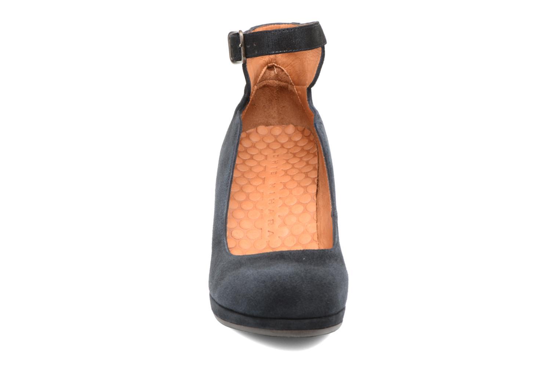 Escarpins Chie Mihara Priole Bleu vue portées chaussures
