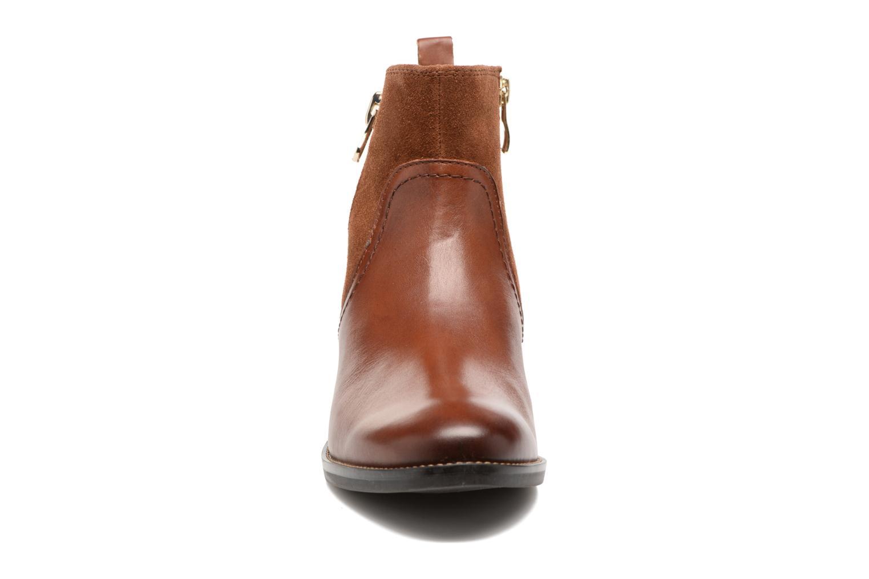 Bottines et boots Caprice Belen Marron vue portées chaussures