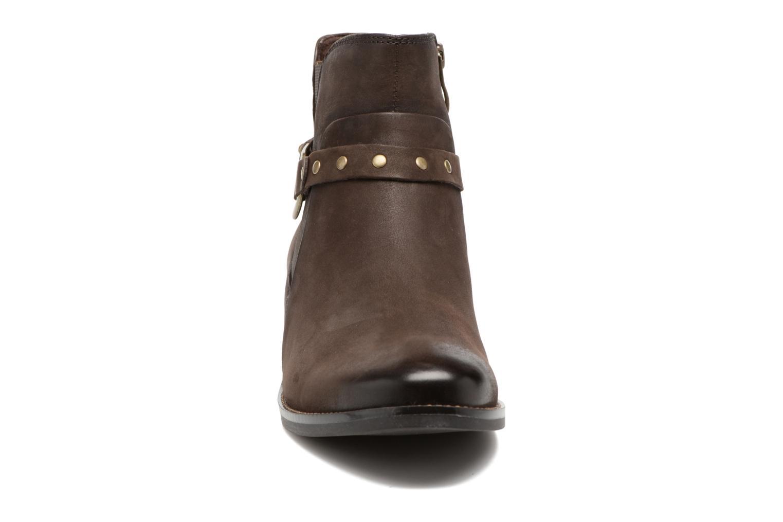 Bottines et boots Caprice Kapria Marron vue portées chaussures