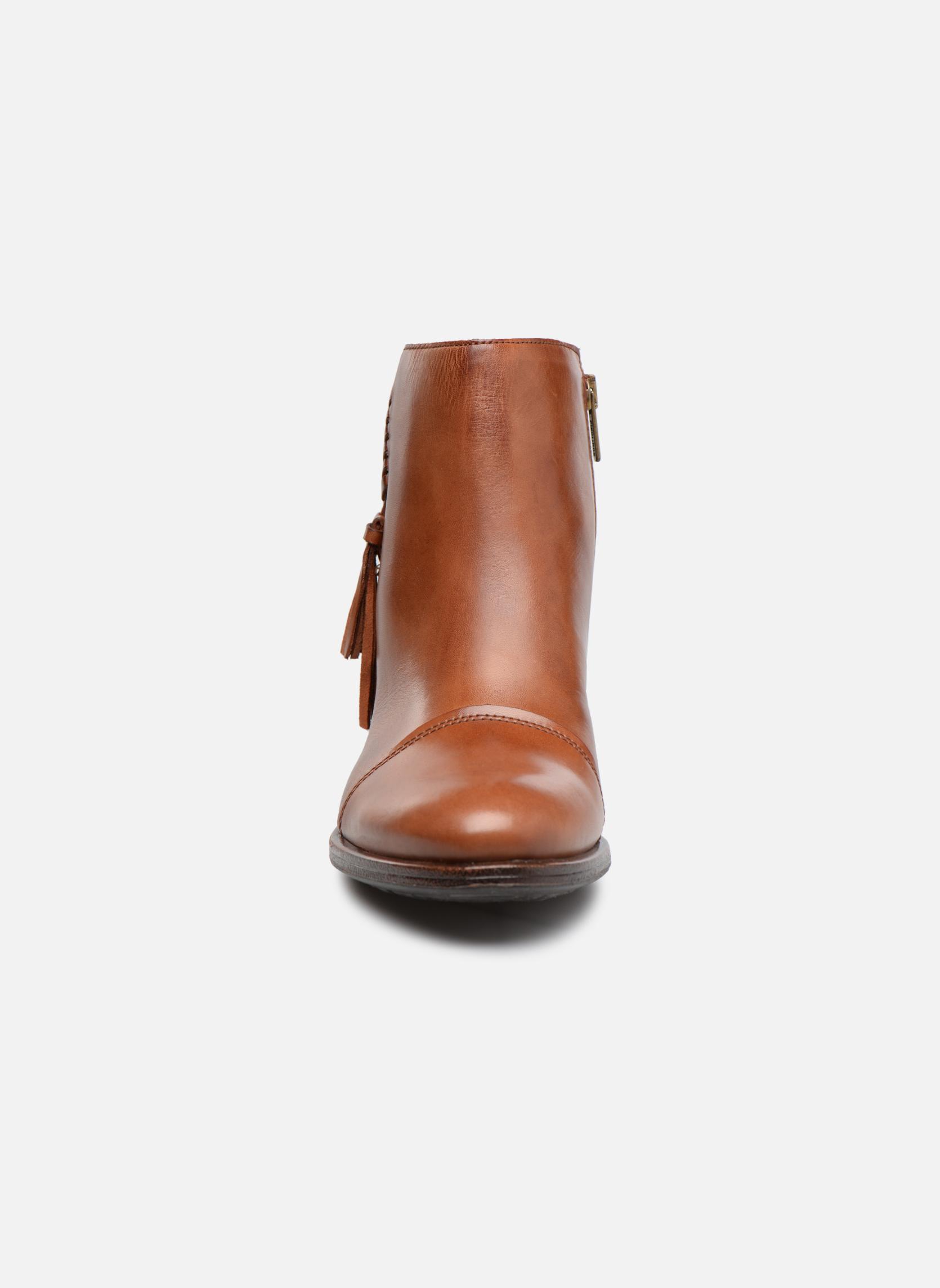 Bottines et boots Pikolinos Baqueira W9M-8941 Marron vue portées chaussures