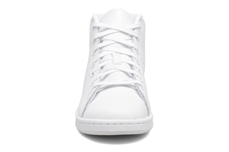 Baskets Adidas Originals Stan Smith Mid J Blanc vue portées chaussures
