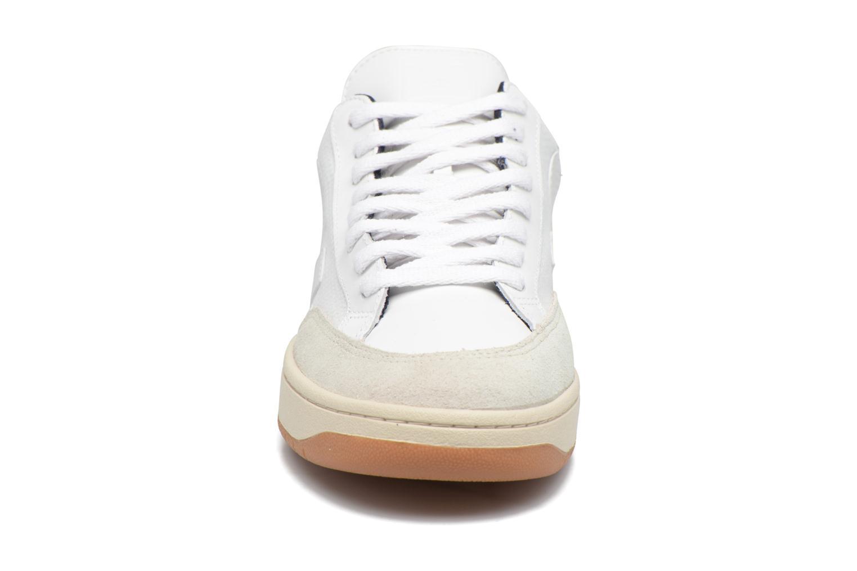 Baskets Veja V-12 B-MESH Blanc vue portées chaussures
