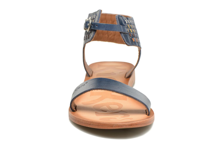 Sandales et nu-pieds Kickers Newstyle Bleu vue portées chaussures