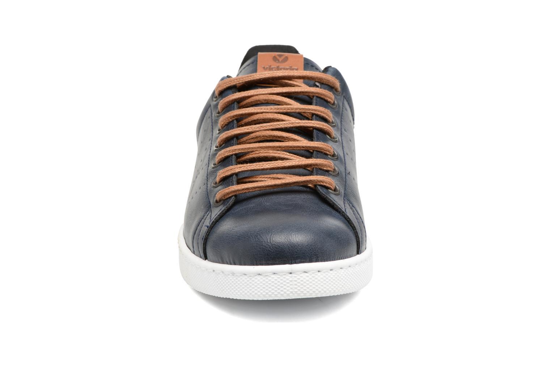 Baskets Victoria Deportivo Piel PU Contraste Bleu vue portées chaussures