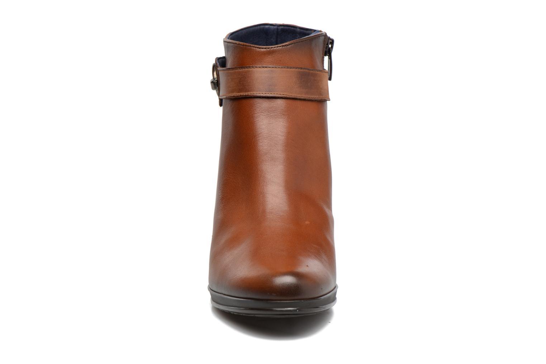Bottines et boots Dorking Luna 7202 Marron vue portées chaussures