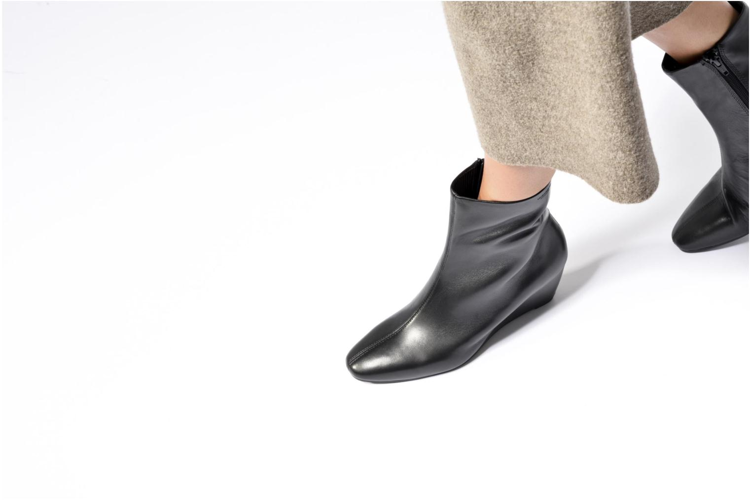 Ankle boots Vagabond Shoemakers Bibi 4415-101 Black view from underneath / model view