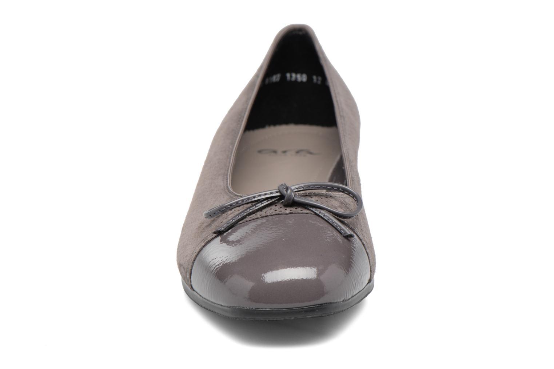 Ballerines Ara Bari 43708 Gris vue portées chaussures