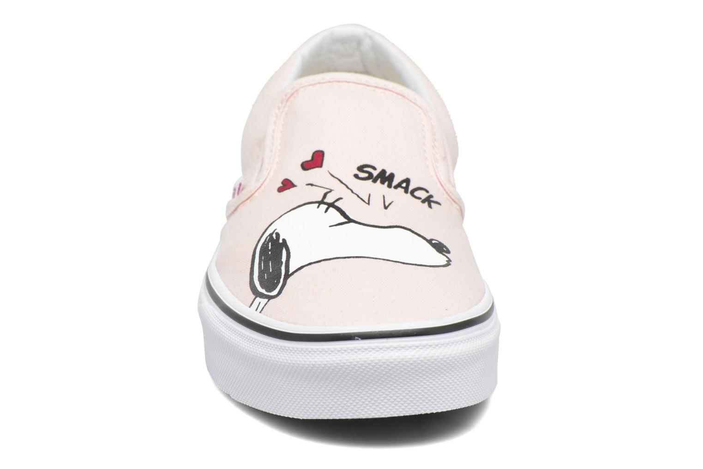 Baskets Vans Classic Slip On W x Peanuts Rose vue portées chaussures