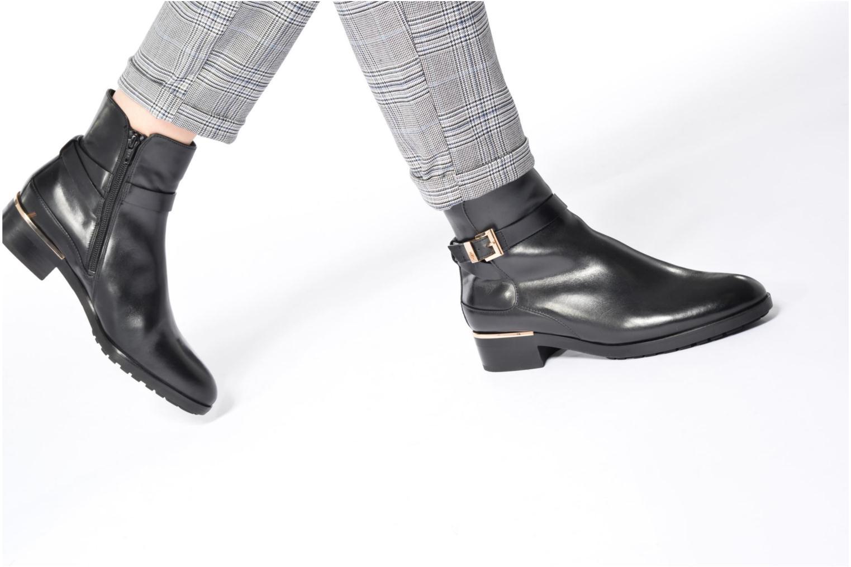 Bottines et boots HÖGL Zoé Noir vue bas / vue portée sac