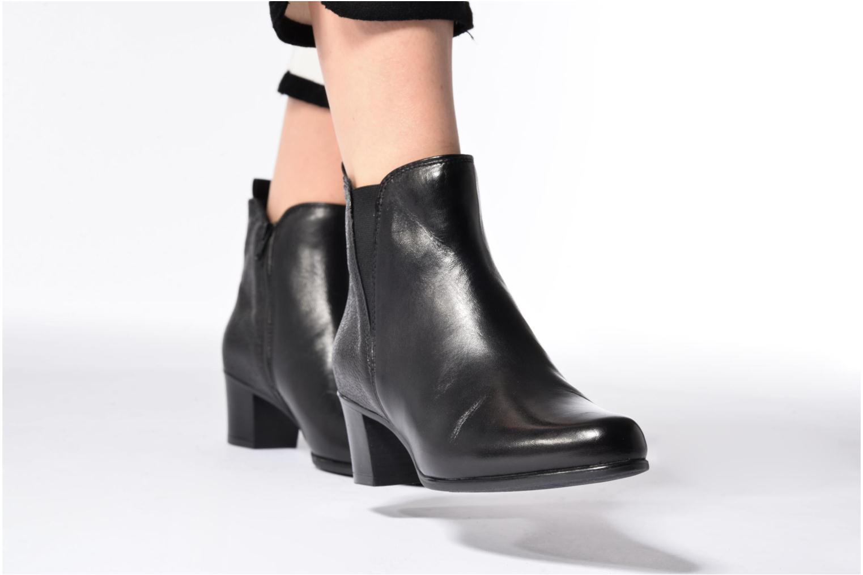 Bottines et boots Tamaris Elemire Noir vue bas / vue portée sac