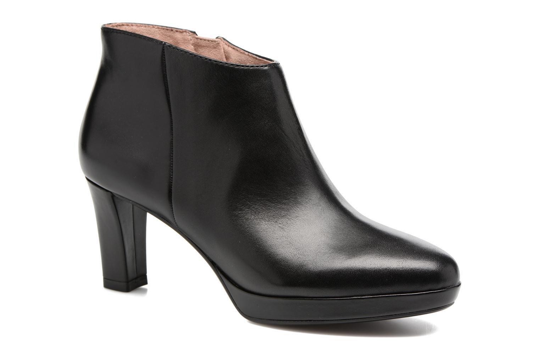 Estrid Black leather