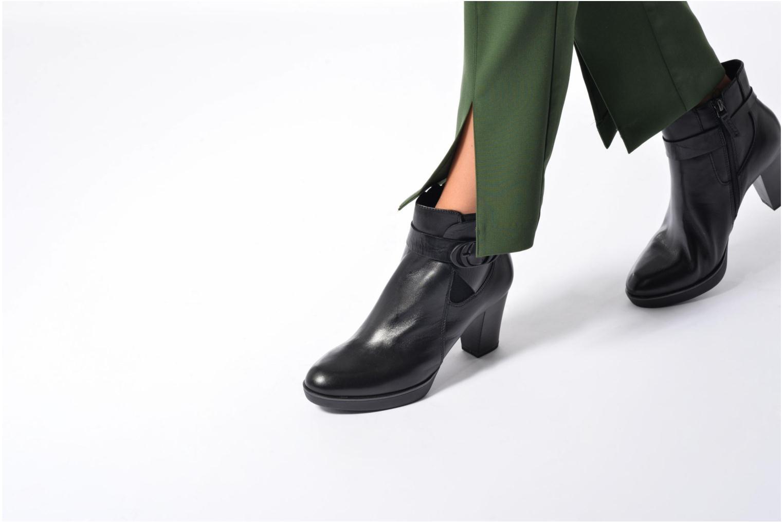 Bottines et boots Tamaris Heldaria Noir vue bas / vue portée sac