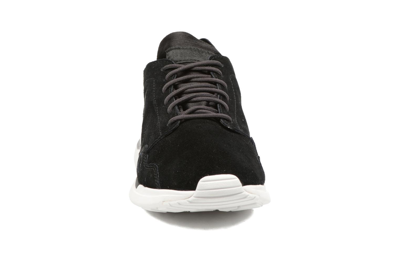 Baskets Le Coq Sportif LCS R Flow Noir vue portées chaussures