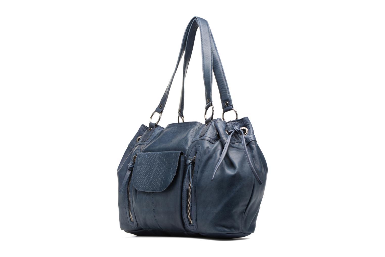 Sacs à main Pieces Jihano Leather Bag Bleu vue portées chaussures