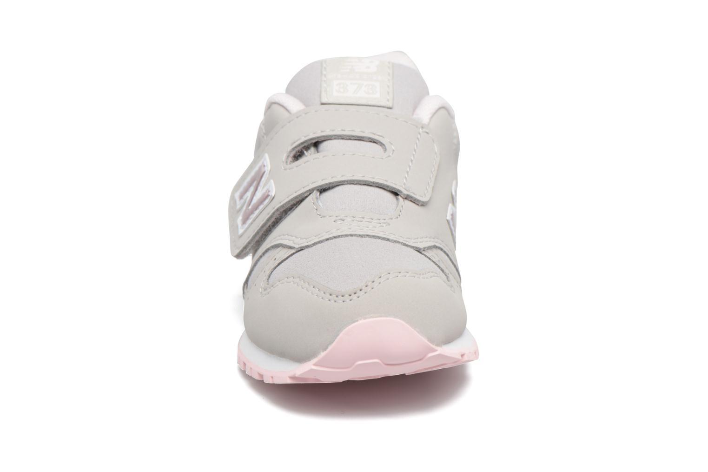Baskets New Balance KV373 I Gris vue portées chaussures
