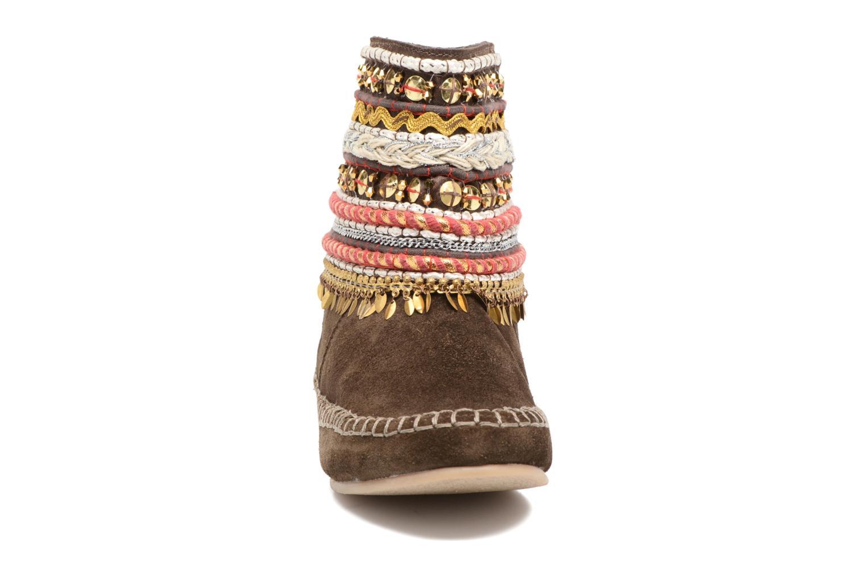 Bottines et boots Les Tropéziennes par M Belarbi Kan Marron vue portées chaussures