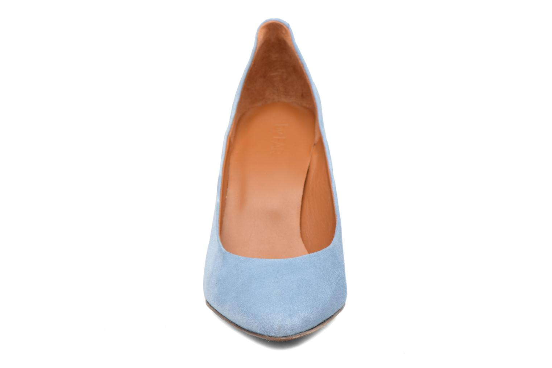 Niki Pump Light Blue Suede