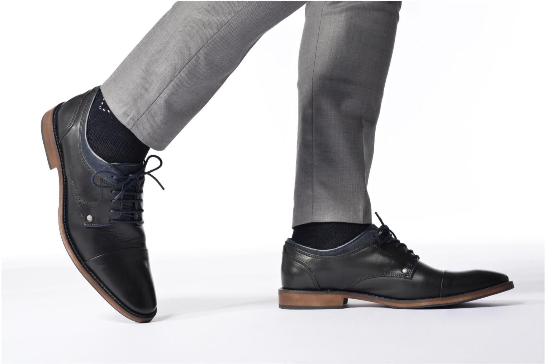 Chaussures à lacets Mr SARENZA Walber Noir vue bas / vue portée sac