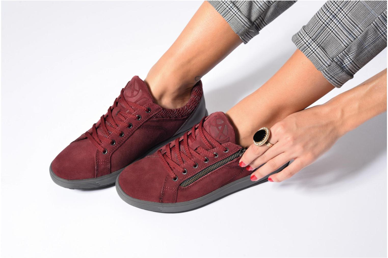 Madrigal Suede Winter Red