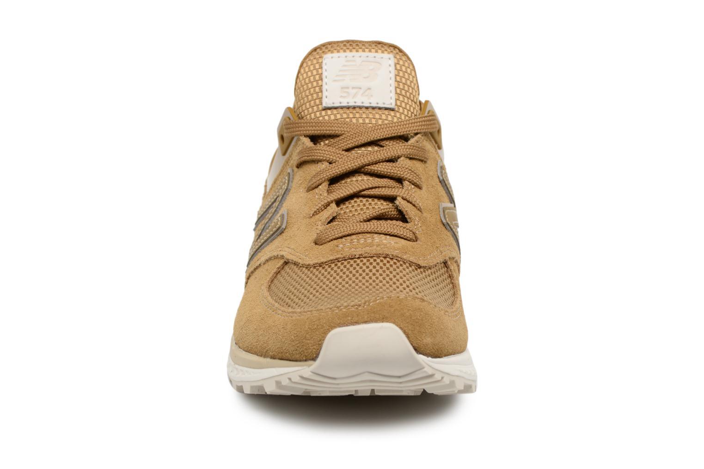 Baskets New Balance MS574 Marron vue portées chaussures