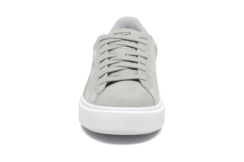 Sneaker Puma Wns Basket Platform Safa grau schuhe getragen