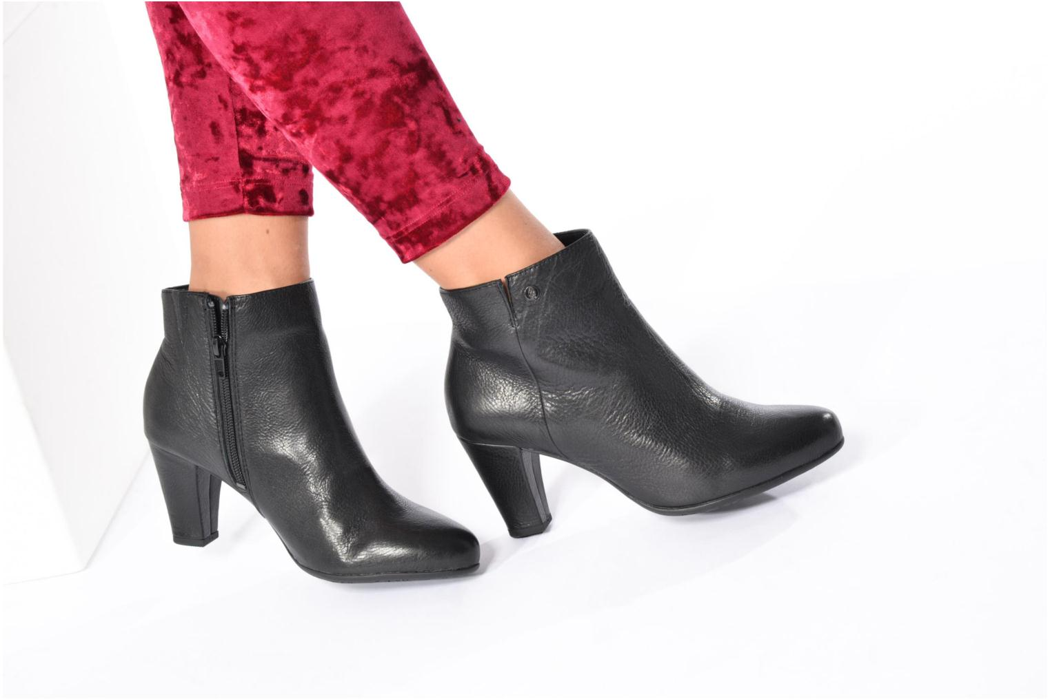 Ankle boots Hush Puppies Morning Black view from underneath / model view