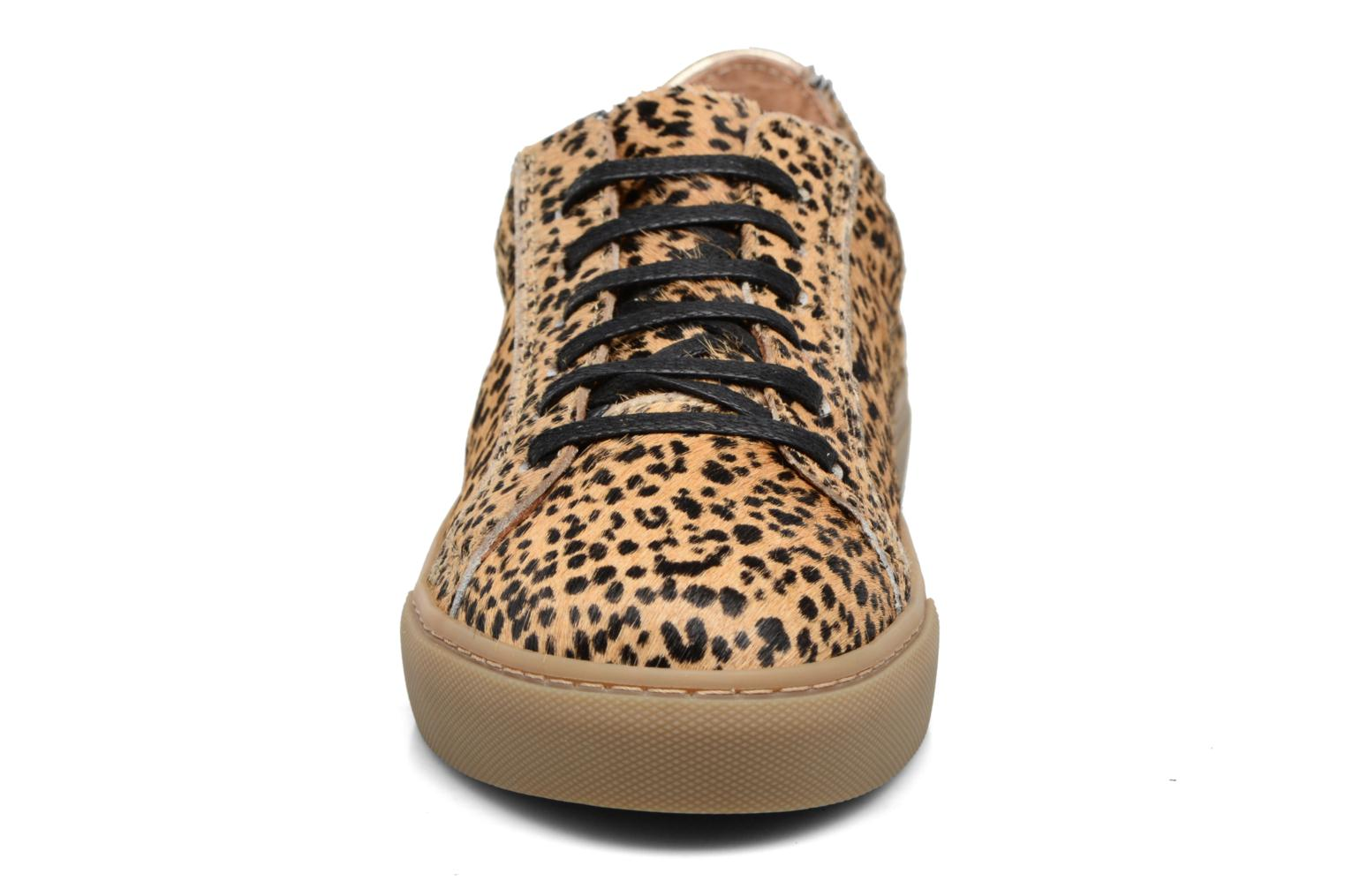 Trainers Bensimon Tennis Chic 2 Brown model view