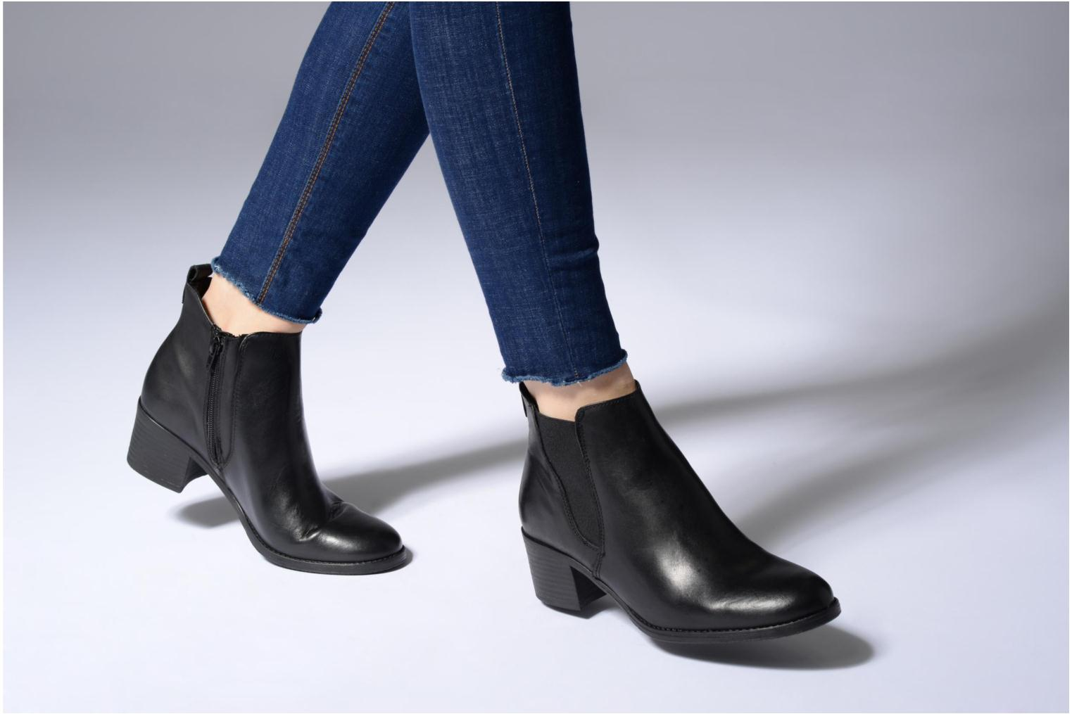 Ankle boots Tamaris Circé Black view from underneath / model view