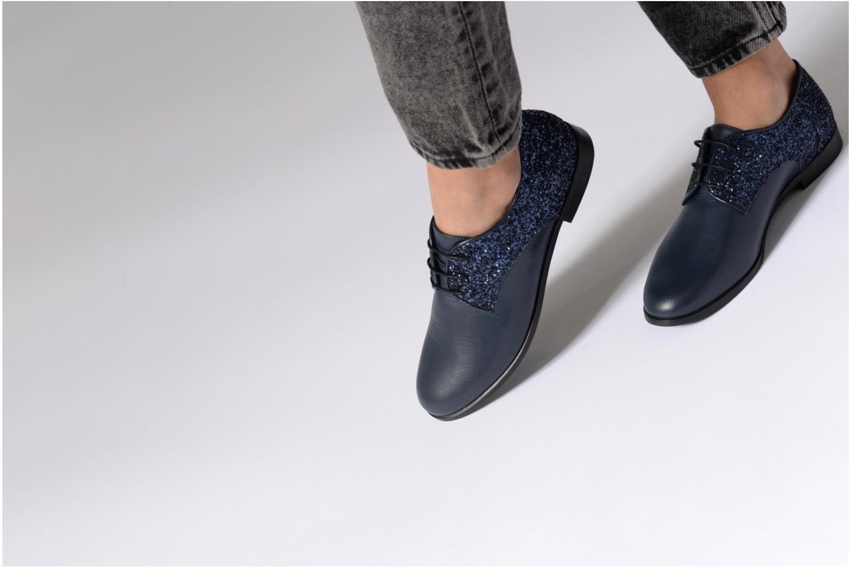 Chaussures à lacets Georgia Rose Louma Bleu vue bas / vue portée sac