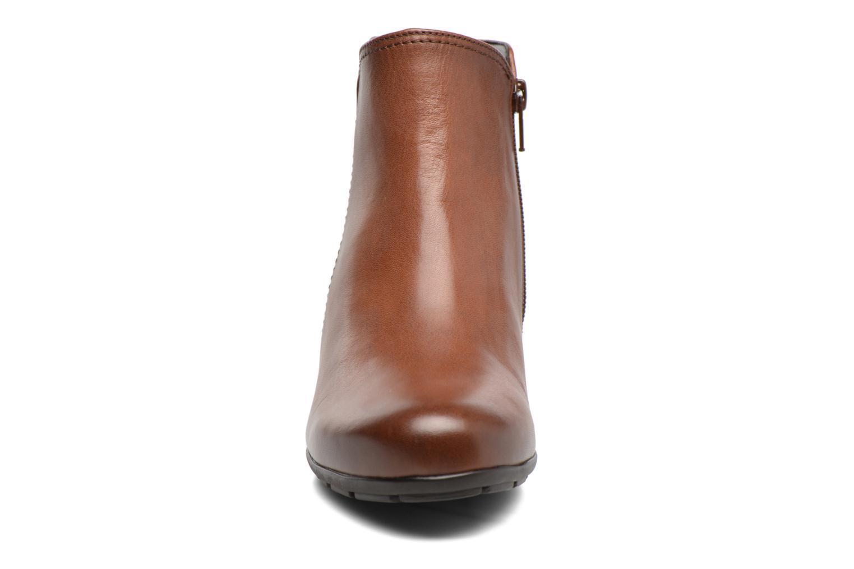 Bottines et boots Gabor Nikita Marron vue portées chaussures