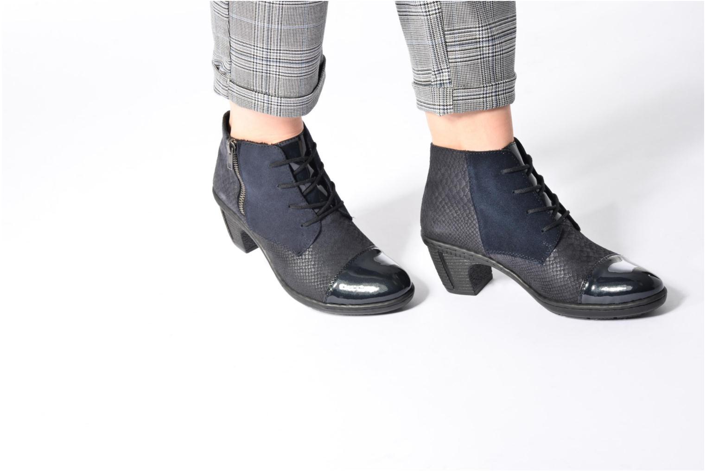 Bottines et boots Rieker Ivy 50241 Bleu vue bas / vue portée sac