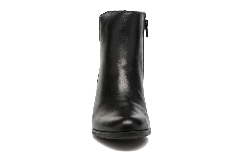 Bottines et boots Rieker Val Y8963 Noir vue portées chaussures