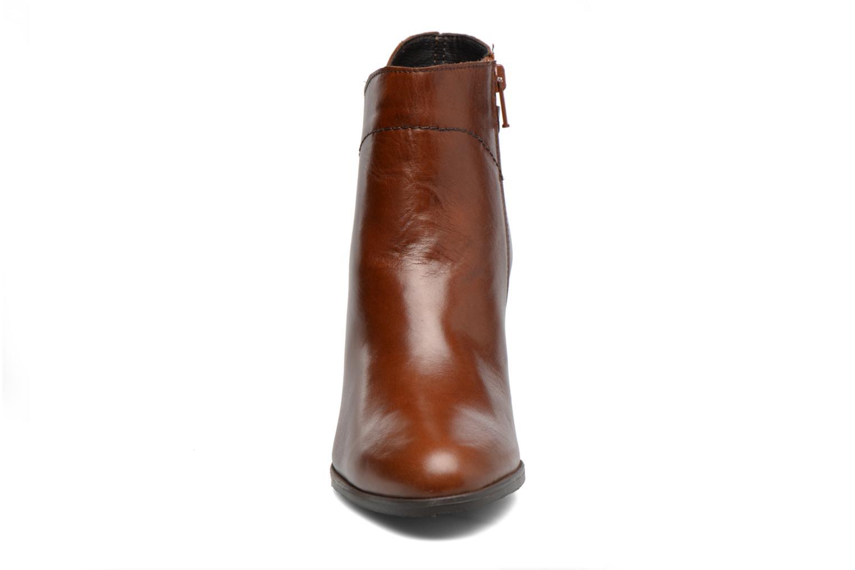 Boots en enkellaarsjes Georgia Rose Lylia Bruin model
