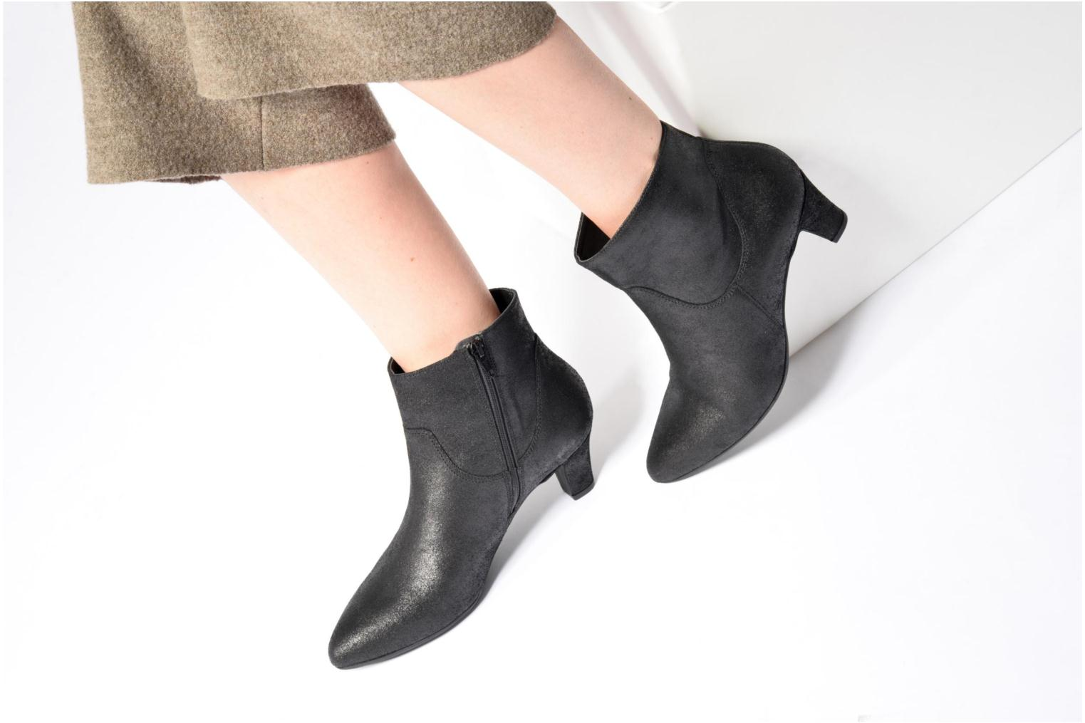 Ankle boots Georgia Rose Lovana Black view from underneath / model view
