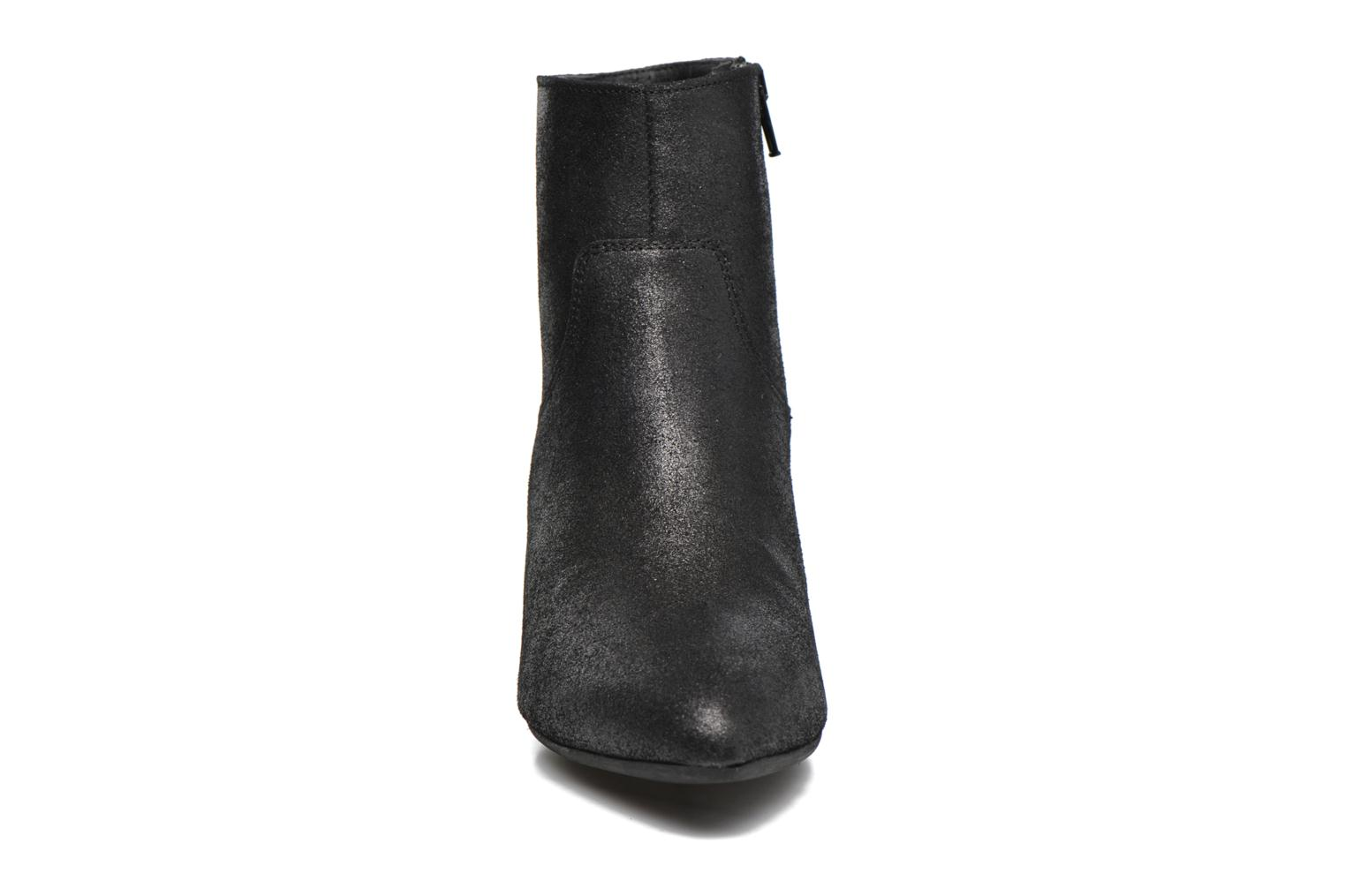 Ankle boots Georgia Rose Lovana Black model view