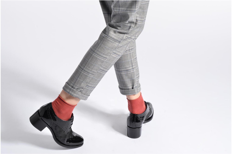 Chaussures à lacets Georgia Rose Nepri Noir vue bas / vue portée sac