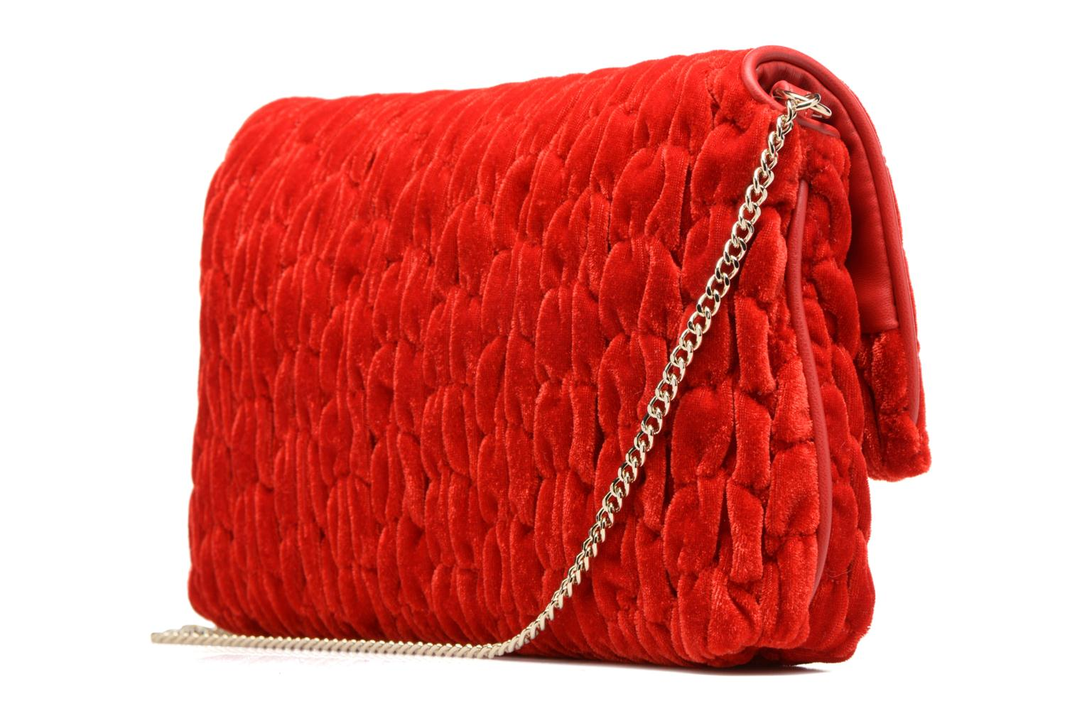 Handbags Love Moschino Pochette Chaine Velvet Red view from the right