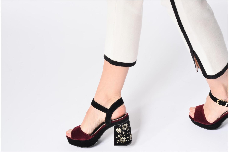 Sandales et nu-pieds MTNG Valor Bordeaux vue bas / vue portée sac
