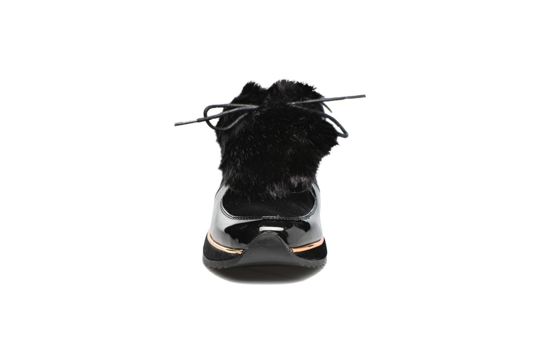Sneakers Coolway Rock Nero modello indossato