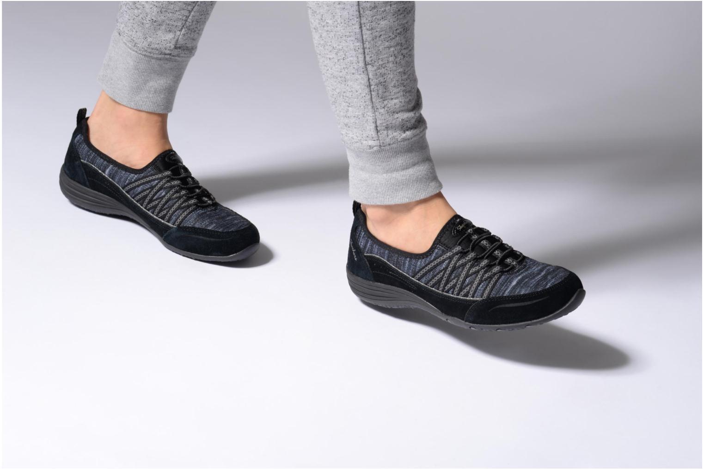 Sneaker Skechers Unity Eternal Bliss schwarz ansicht von unten / tasche getragen