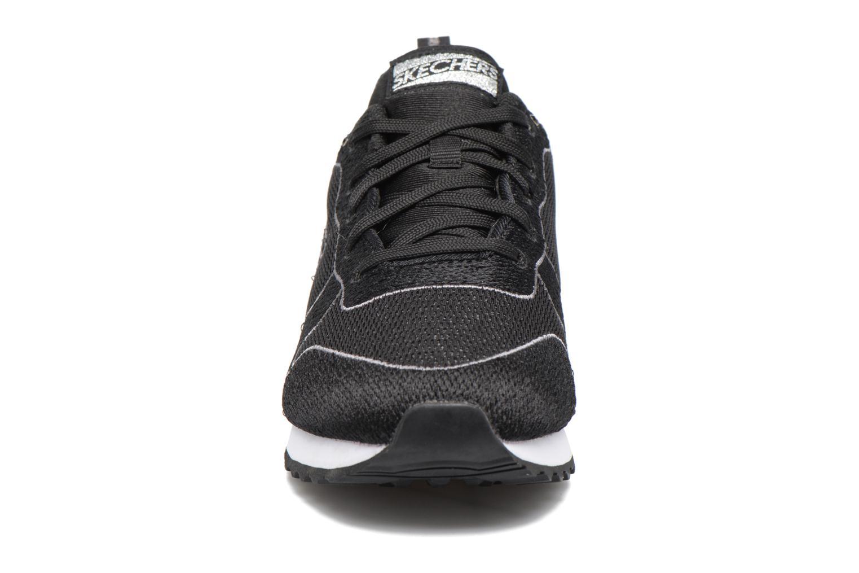 Baskets Skechers OG 84 Noir vue portées chaussures