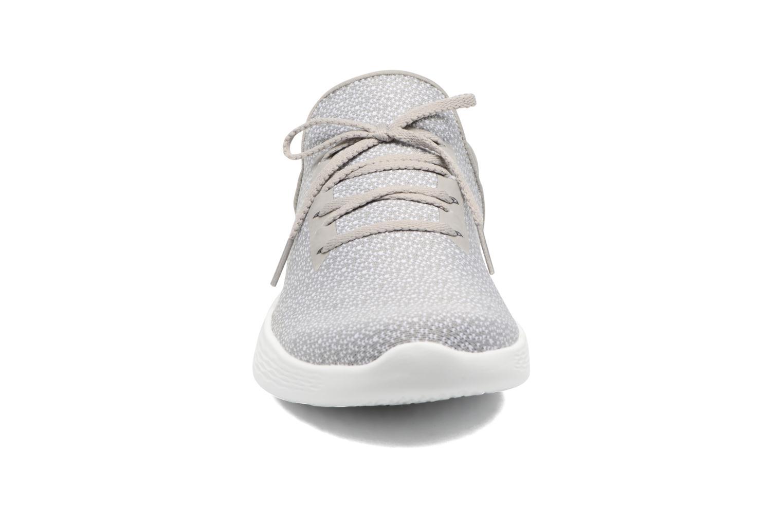 Zapatillas de deporte Skechers You Inspire Gris vista del modelo