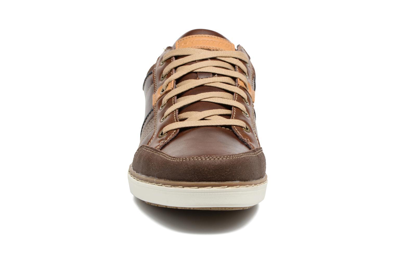 Baskets Skechers Larson Rometo Marron vue portées chaussures