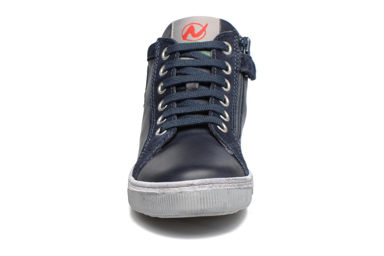 Baskets Naturino Clay Bleu vue portées chaussures