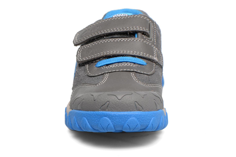 Baskets Clarks Tyrex shine Gris vue portées chaussures