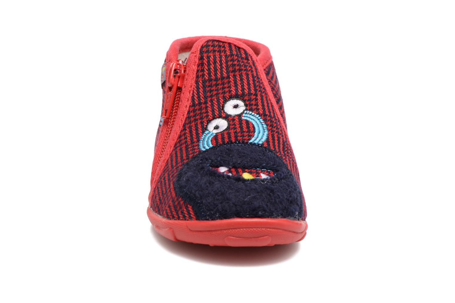 Chaussons GBB Paco Rouge vue portées chaussures