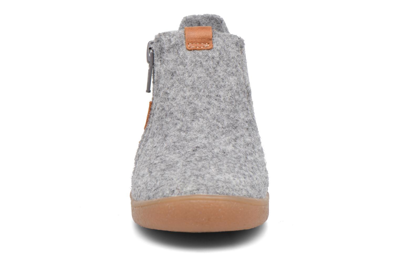 Chaussons Babybotte Maxime Gris vue portées chaussures